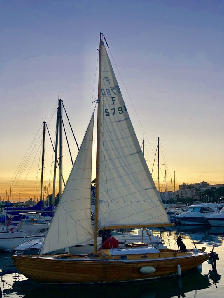 simplicity of happiness sailing experience